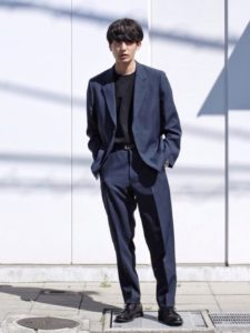 suit-six